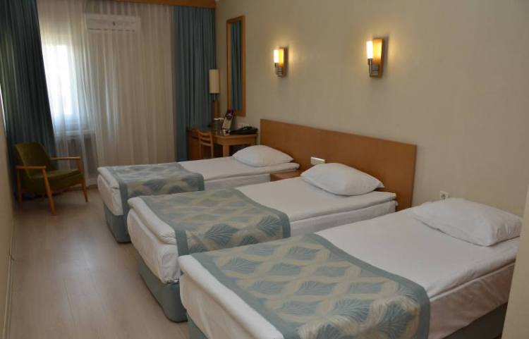Gimat Hotel,Triple Room